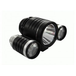 Aккумуляторный светодиодный фонарик с тремя осветителями